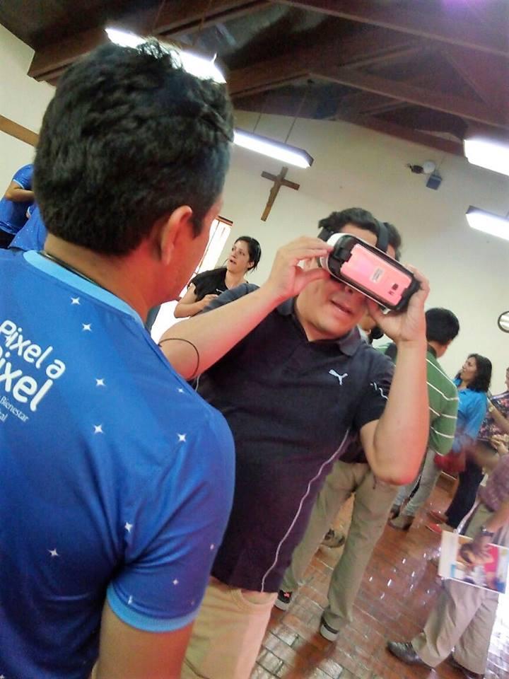 Mundo 360: un paseo digital de Tigo en centros de acogida de Bolivia
